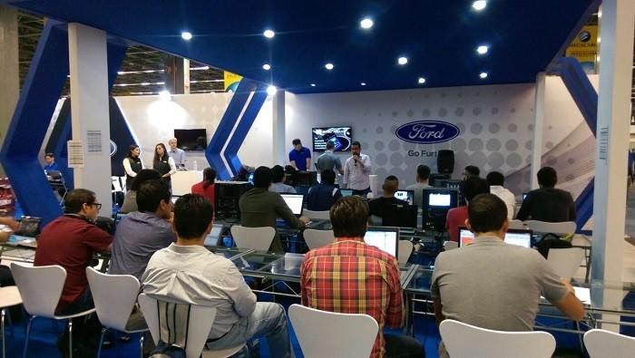 Campus Party Mexico 2016 Ford Sync escenario