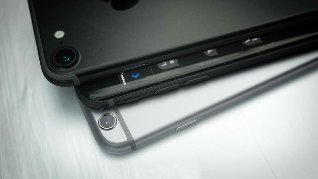 iPhone7-SpaceBlack-5