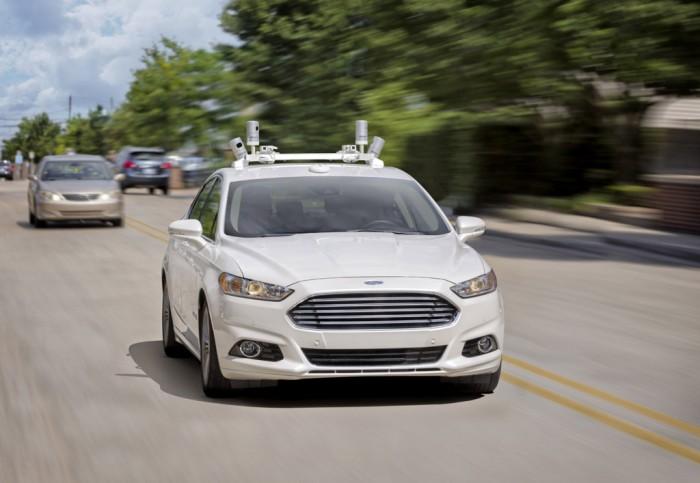 Ford se apunta a la moda de los vehículos autónomos