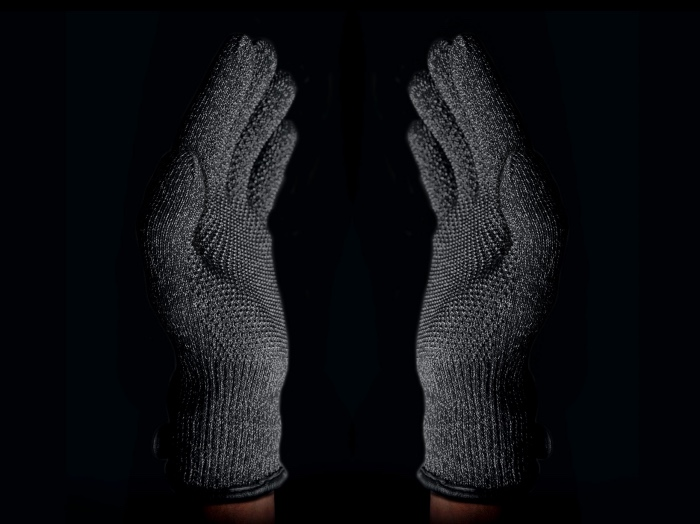 Double-Layered-Touchscreen-Gloves