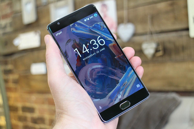OnePlus sigue mejorando varios apartados del penúltimo buque insignia