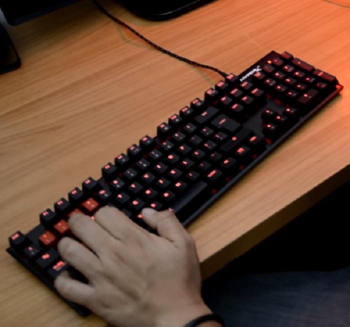 teclado gamer kingston alloy