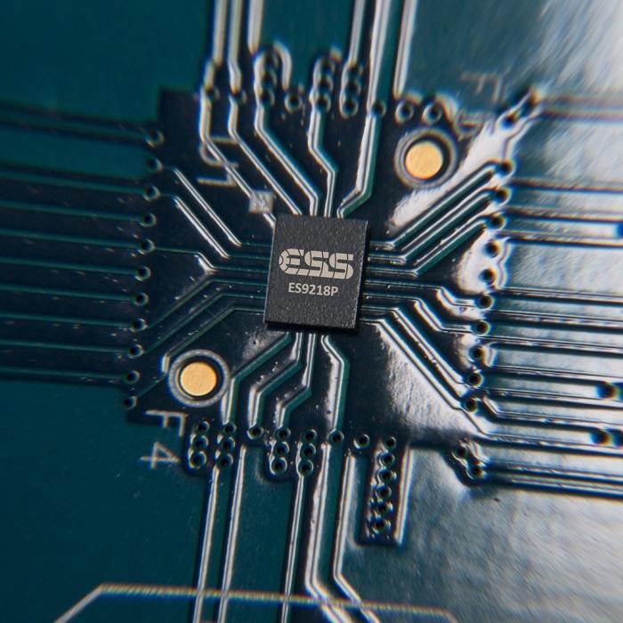 LG-V30-ES9218P