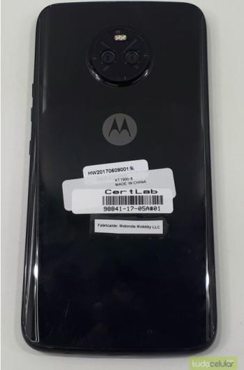 Moto-X4-back