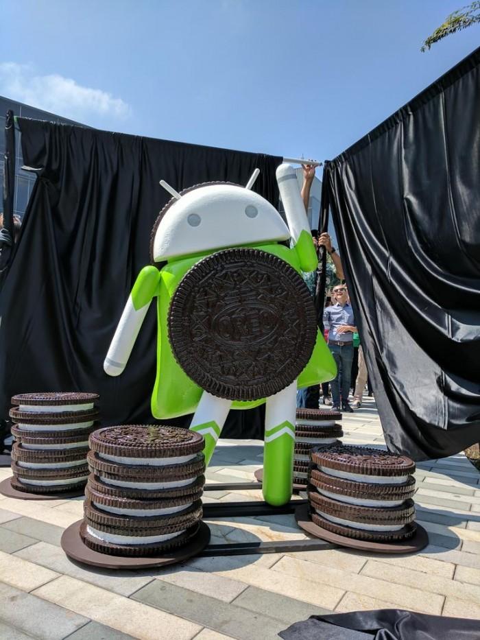 android oreo estatua